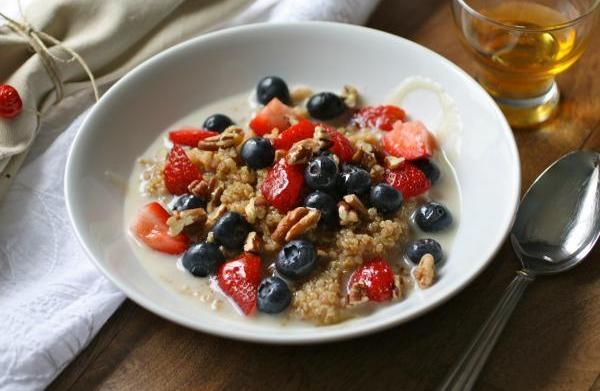 Gluten-free Friday: Cinnamon breakfast quinoa with