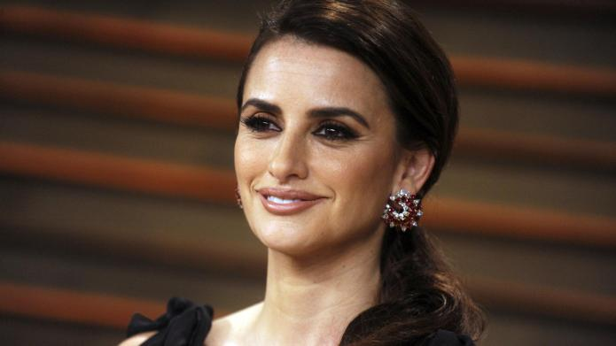 Penélope Cruz lands 'Sexiest Woman Alive':