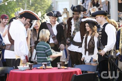 "Hart of Dixie preview: ""The Pirate"