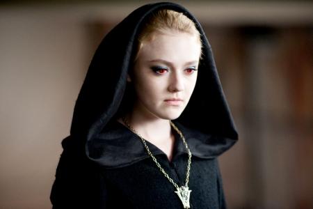 Dakota Fanning is Jane in Eclipse