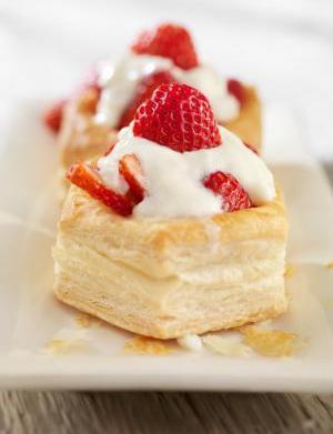 Strawberry Yogurt Tarts