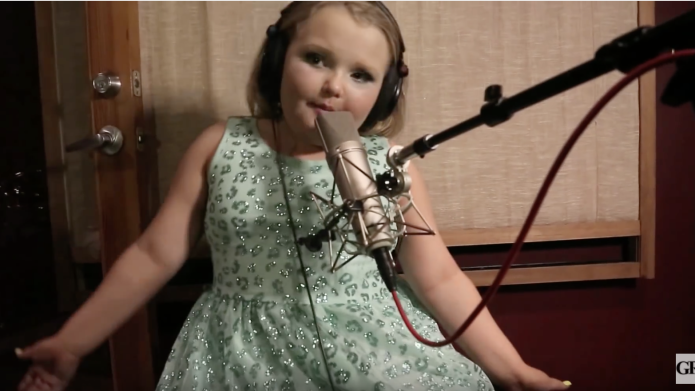 Honey Boo Boo makes her singing