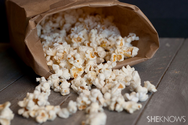 DIY homemade microwave popcorn