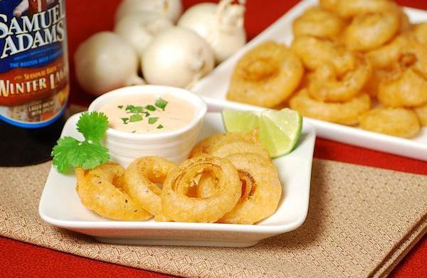 Mini Buffalo onion rings with spicy