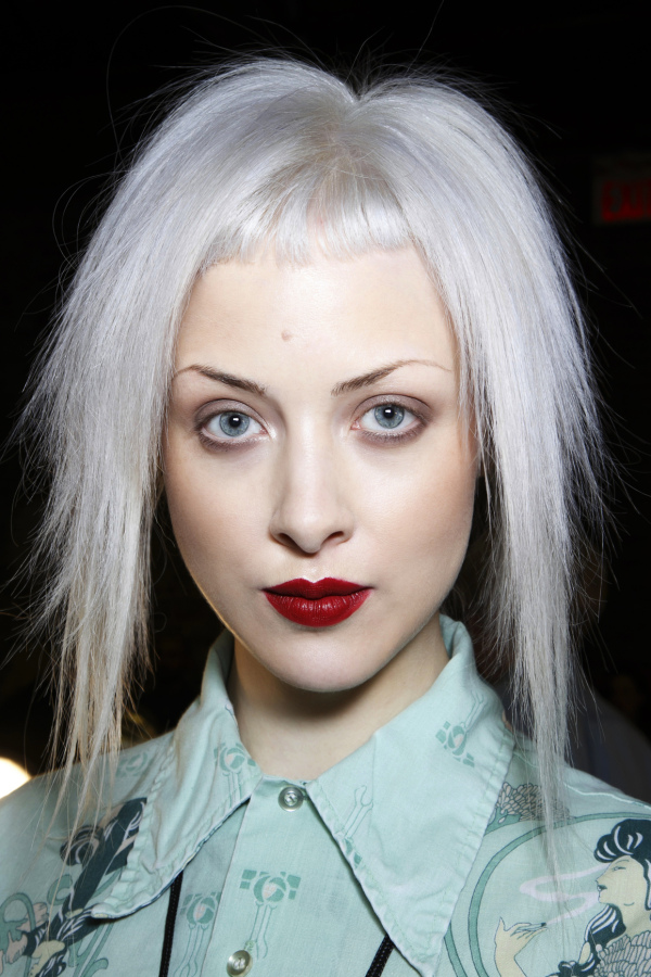 Having And Keeping The Silver Hair Of Your Dreams