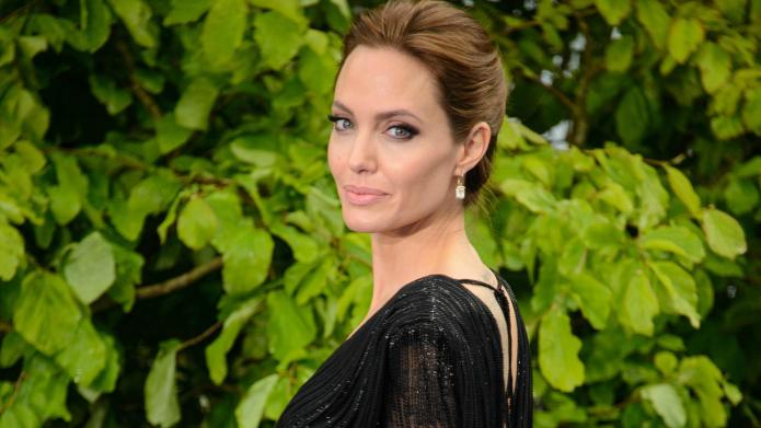 Nope, Angelina Jolie's daughter Shiloh doesn't