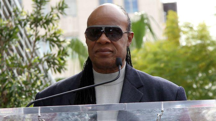 Stevie Wonder pokes fun at his