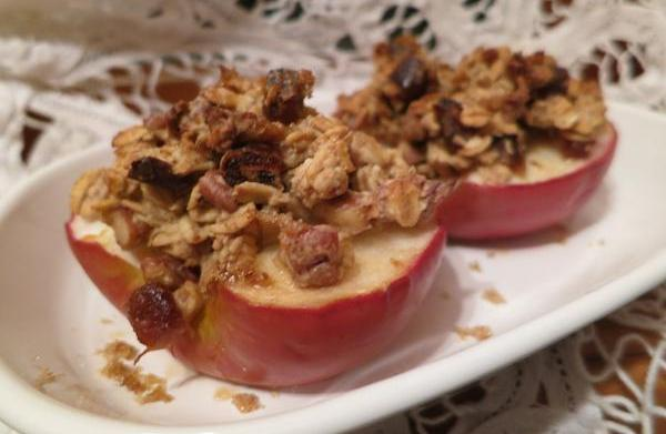 Baked stuffed apples: A healthy fall