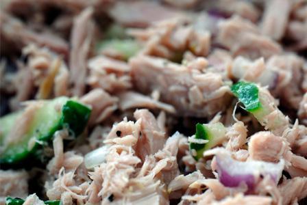 Sunday Dinner: Mediterranean tuna salad in