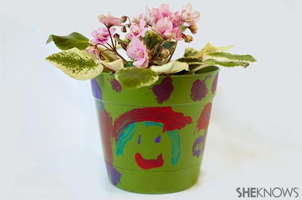 Earth day plant crat | Sheknows.com - plastic pot