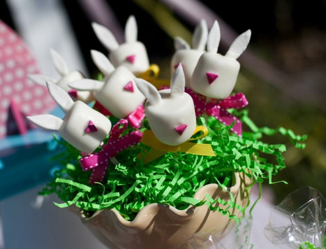 easy easter bunny marshmallow pops
