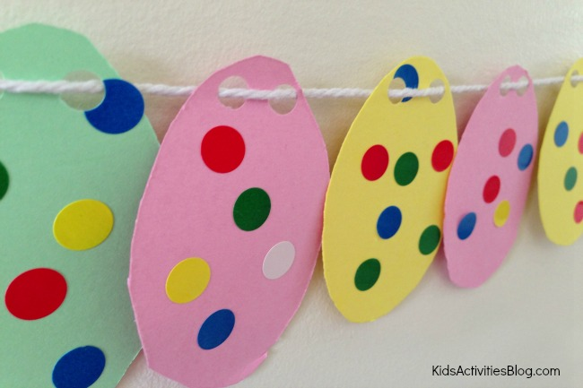 Easter egg garland by Kids Activities Blog
