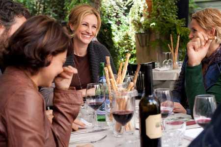 Eat Pray Love star Julia Roberts hosts a dinner