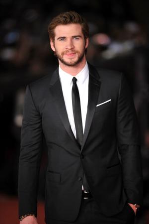 Liam Hemsworth found out that Eiza González was just using him