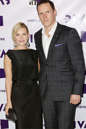 Elisha Cuthbert Wedding.Elisha Cuthbert Marries Dion Phaneuf Sheknows