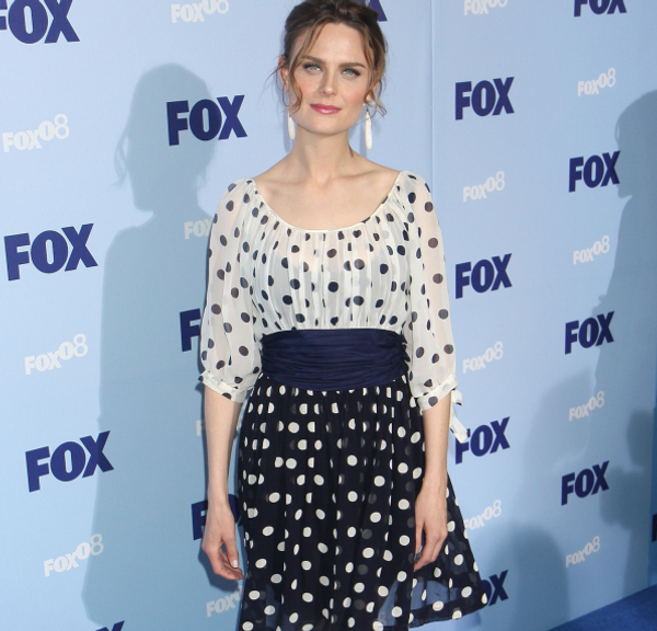 "Emily Deschanel plays Dr. Temperance Brennan aka ""Bones"" on the TV show of  the same name. Polka dots are trendy for summer in dresses 53db1e2026a"