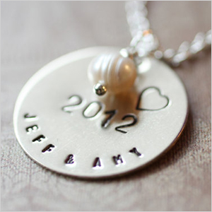 Handstamped pearl necklace | Sheknows.ca