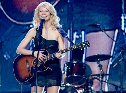 Gwyneth Paltrow to sing at Country