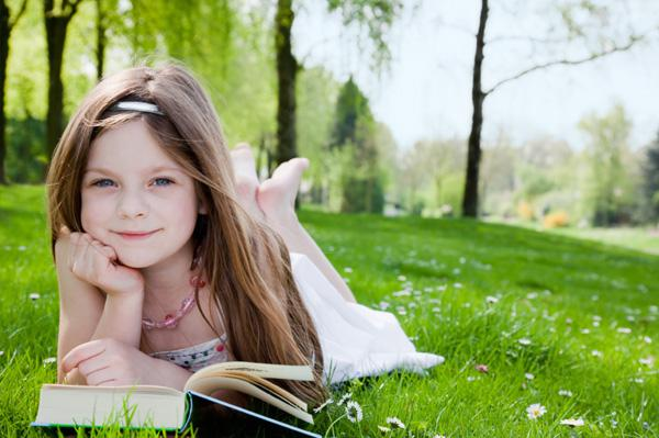 8 Ways to encourage reluctant readers