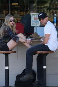 Amanda Seyfried addresses Ryan Phillippe romance