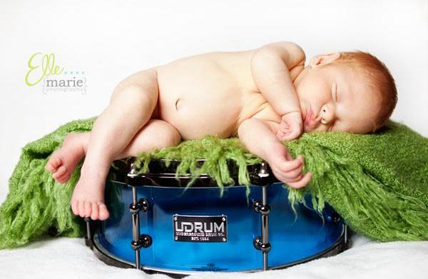 Fun ways to share your newborn's