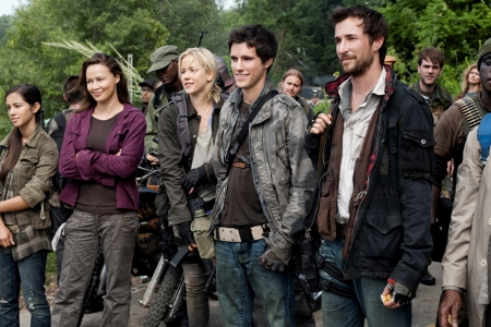 Noah Wyle leads the cast of Falling Skies