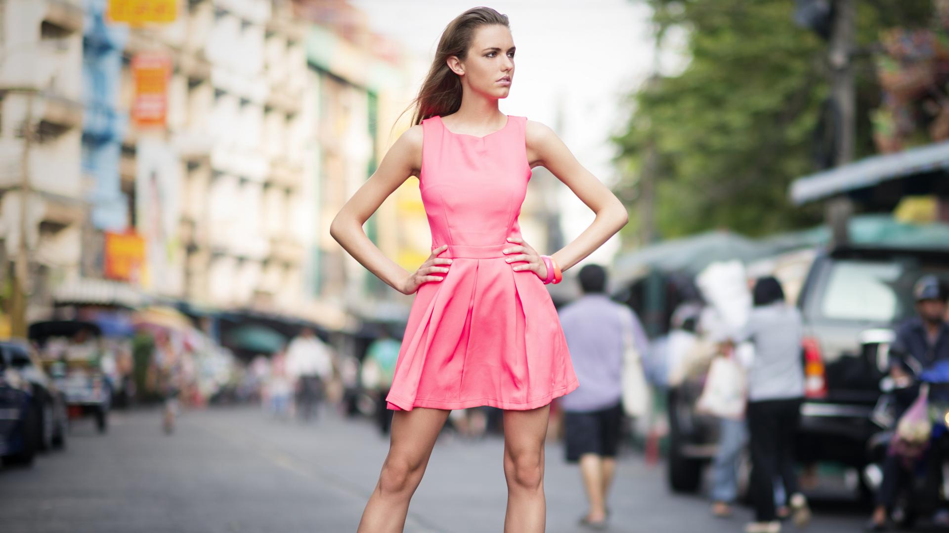 Fashion mode posing | Sheknows.ca