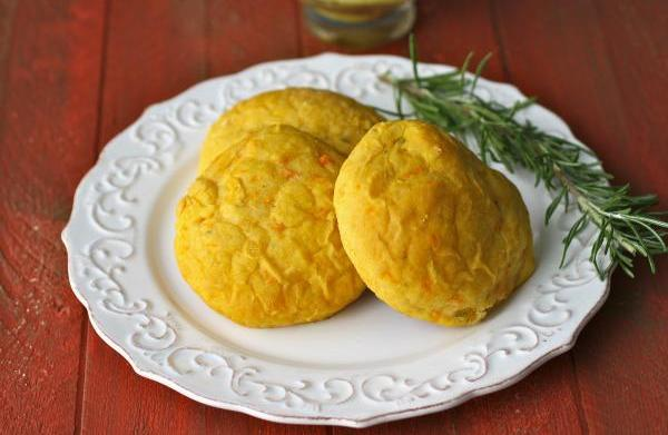 Rosemary sweet potato rolls with curried