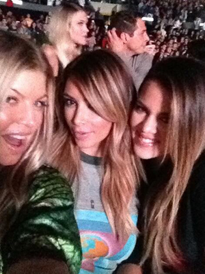 Fergie, Kim Kardashian and Khloe Kardashian - Celeb Mom on Twitter
