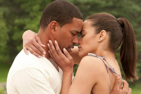 Paula Patton and Laz Alonso couple