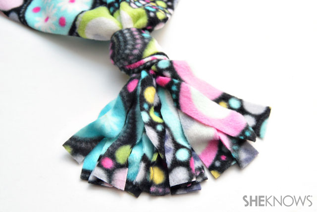 No-sew fleece scarf step 3