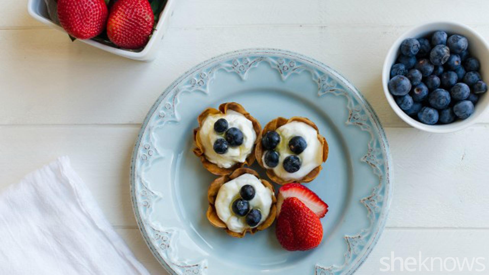 Flower-shaped phyllo yogurt fruit tarts