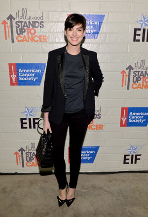 Anne Hathaway at Hollywood Stands up to Cancer
