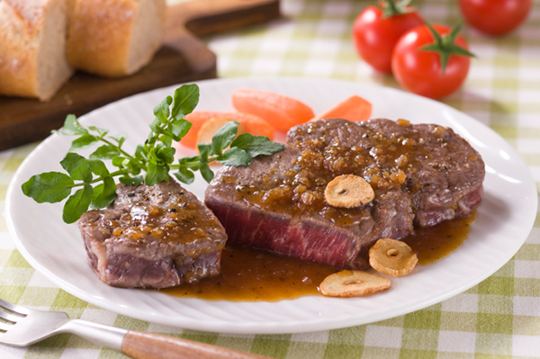 Frying with a Basic Steak | Sheknows.com