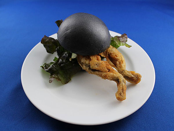 black bun frog burger