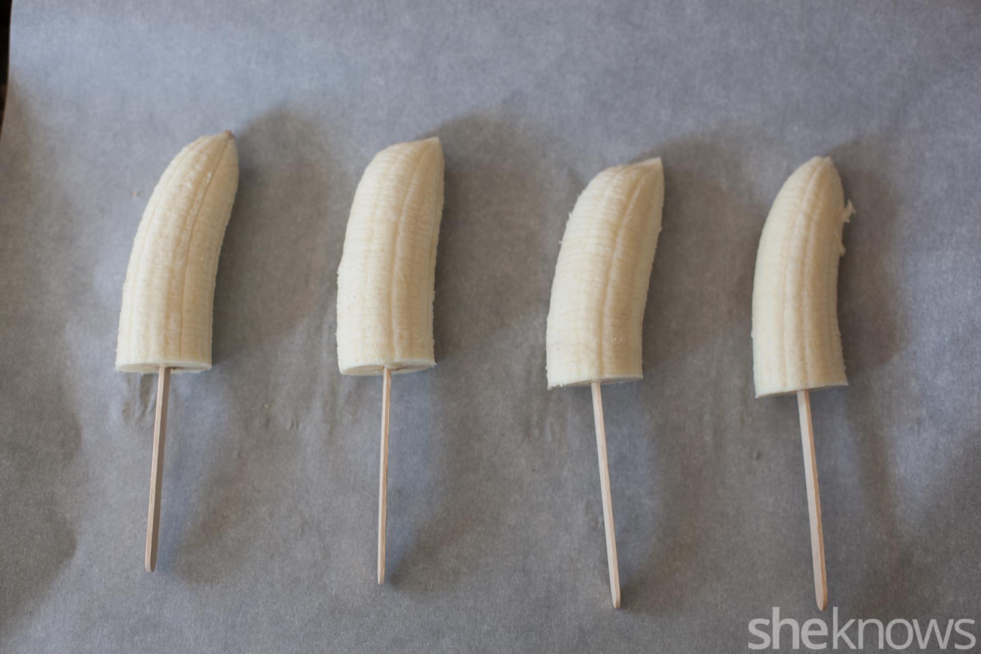 Frozen banana popsicles