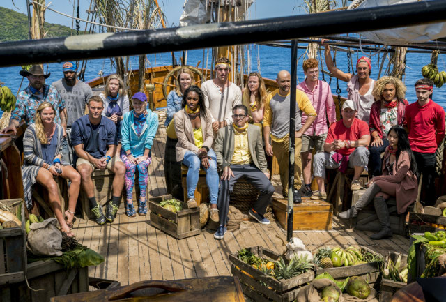 full-cast-on-boat-during-first-day-survivor-heroes-vs-healers-vs-hustlers-season-35-cbs