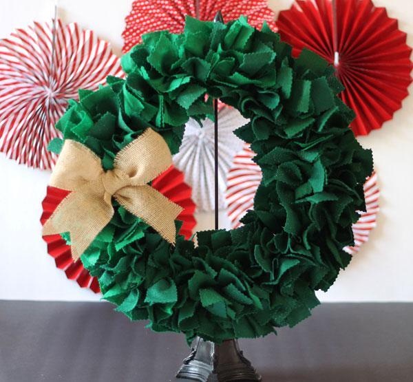 Fun holiday wreaths kids can make