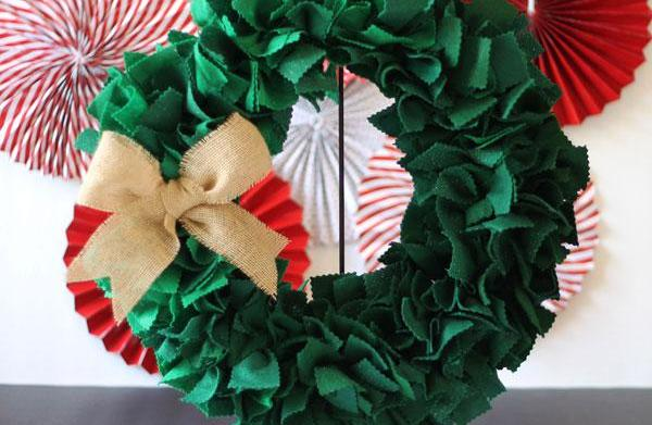Fun holiday wreaths kids can make