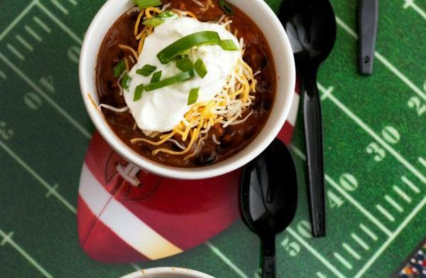 Guy-approved game day eats: Spicy beer