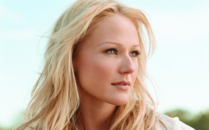 Hollywood's humanitarians: Jewel challenges people to