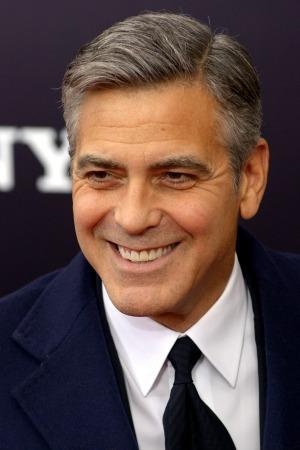 George Clooney held at gunpoint in Darfur