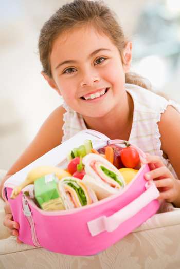 girl with packed lunch