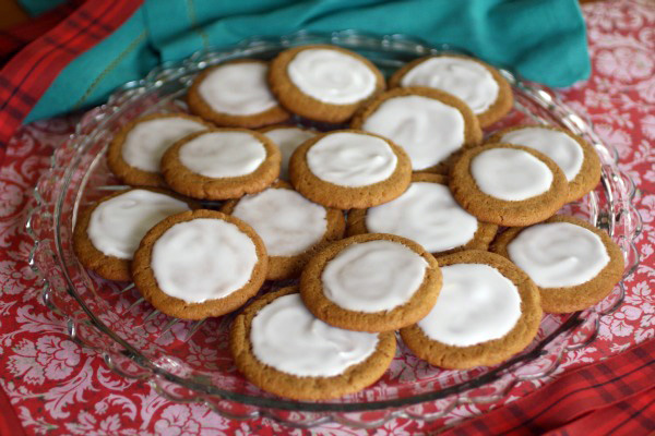 Gluten-free Goodie of the Week: Iced Gingersnap Cookiest