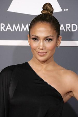 Jennifer Lopez Grammy Awards makeup