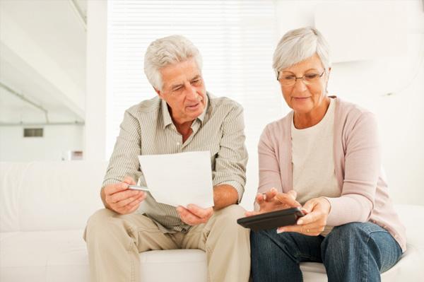 Grandparent's going over finances