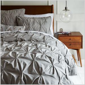 Organic cotton pintuck duvet cover and shams