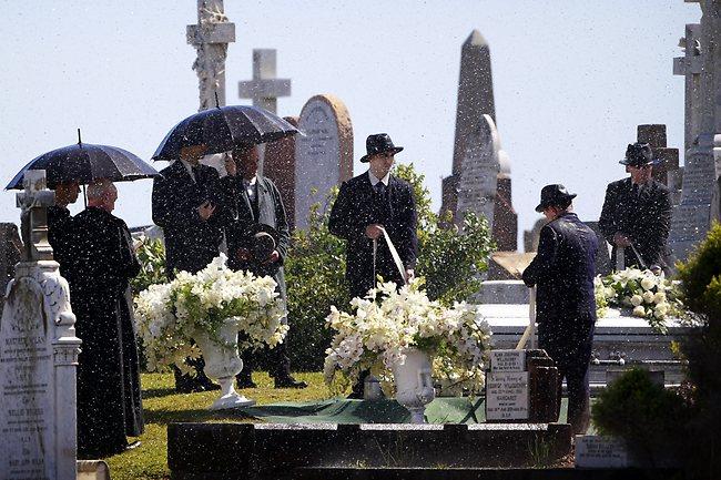 Great Gatsby funeral scenes