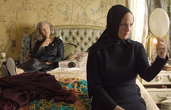 Grey Gardens covers 40 years in the life of Big and Little Edie Bouvier Beale