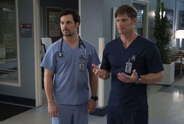 Chris Carmack, Giacomo Gianniotti in 'Grey's Anatomy' scene.